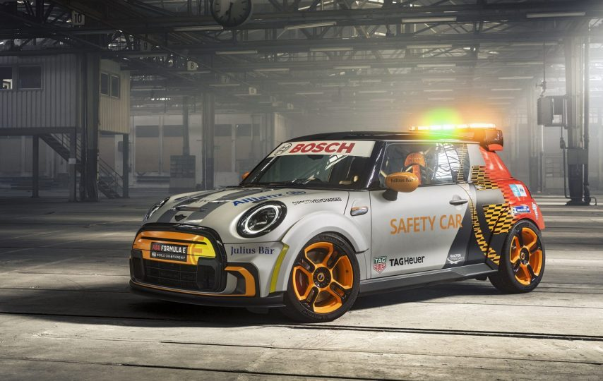Mini Pacesetter Electric inspired by JCW